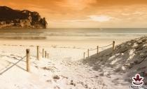 Фототапет с изглед на красив плаж на залез