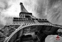 фототапети Айфеловата кула в черно